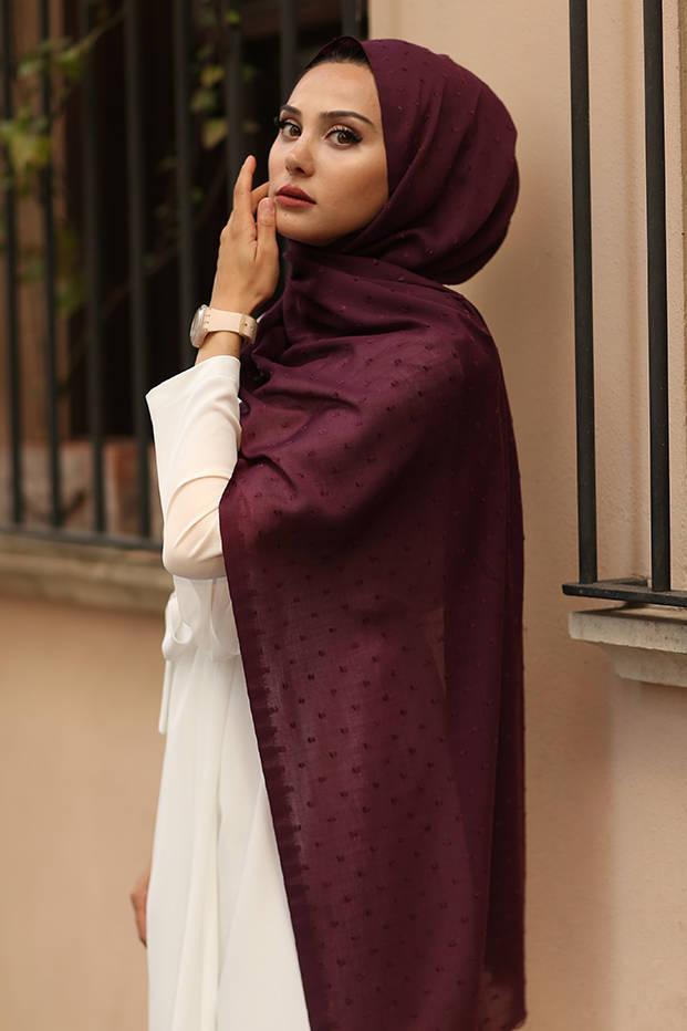 Gibril & Gabrielle - Dotted cotton Hijab - Aubergine