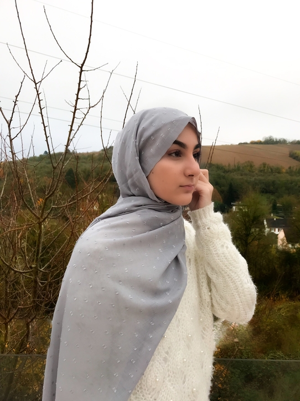 Gibril & Gabrielle - Dotted cotton Hijab - Grey