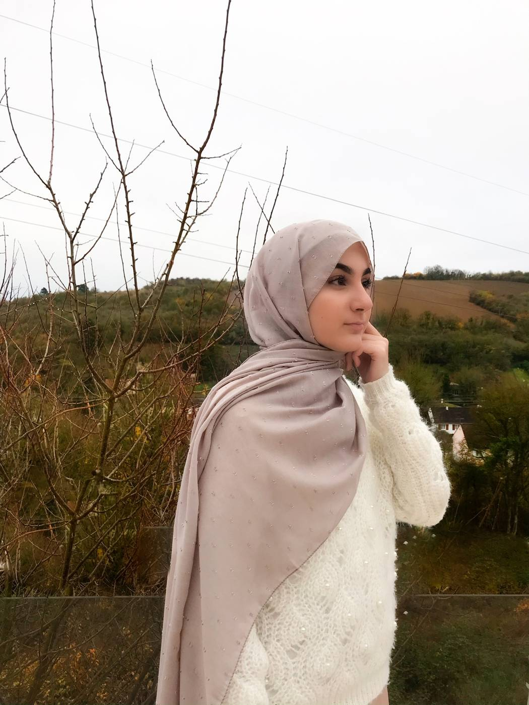 Gibril & Gabrielle - Dotted cotton Hijab - Ivory