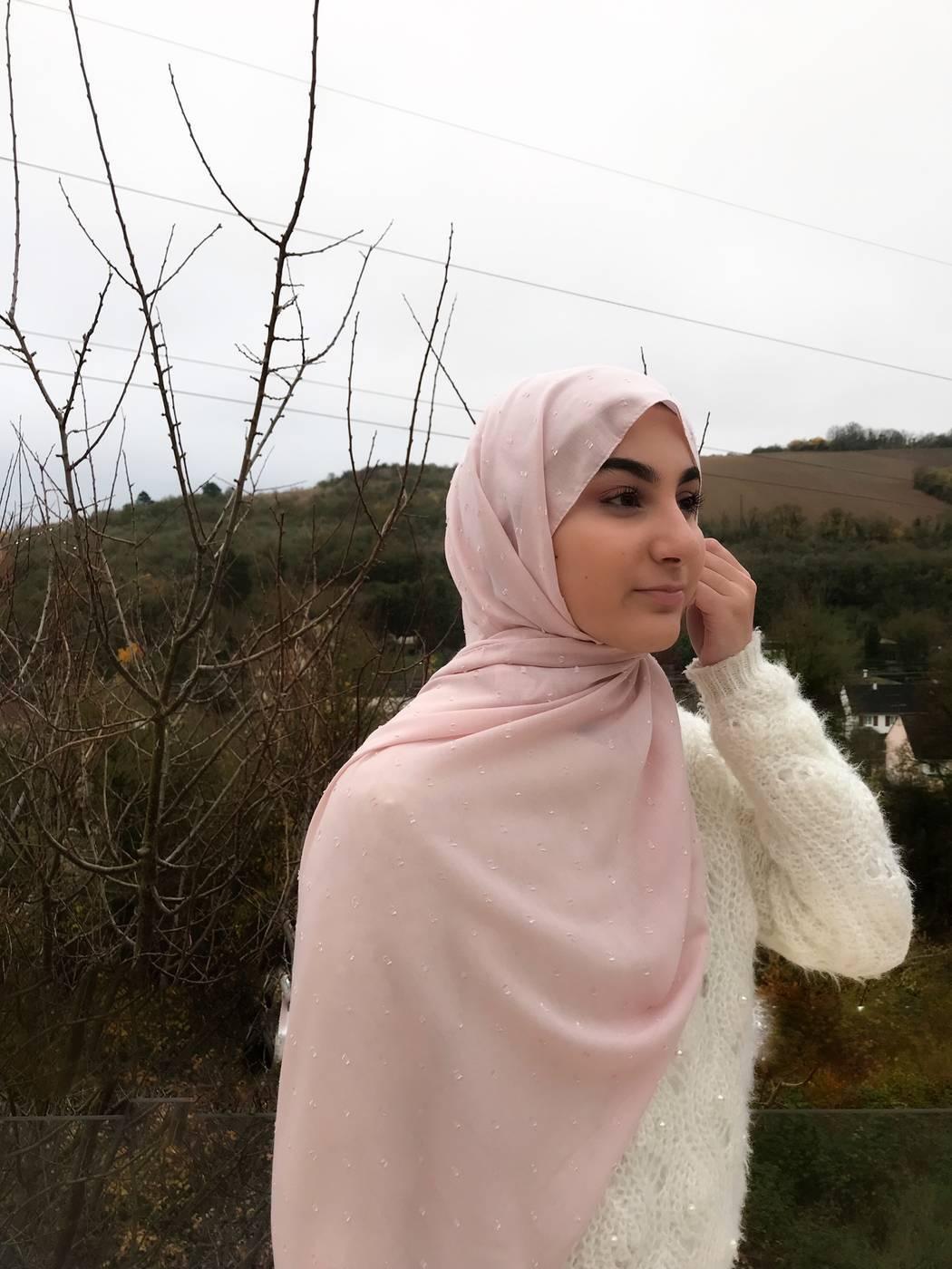 Gibril & Gabrielle - Dotted cotton Hijab - Pastel Pink