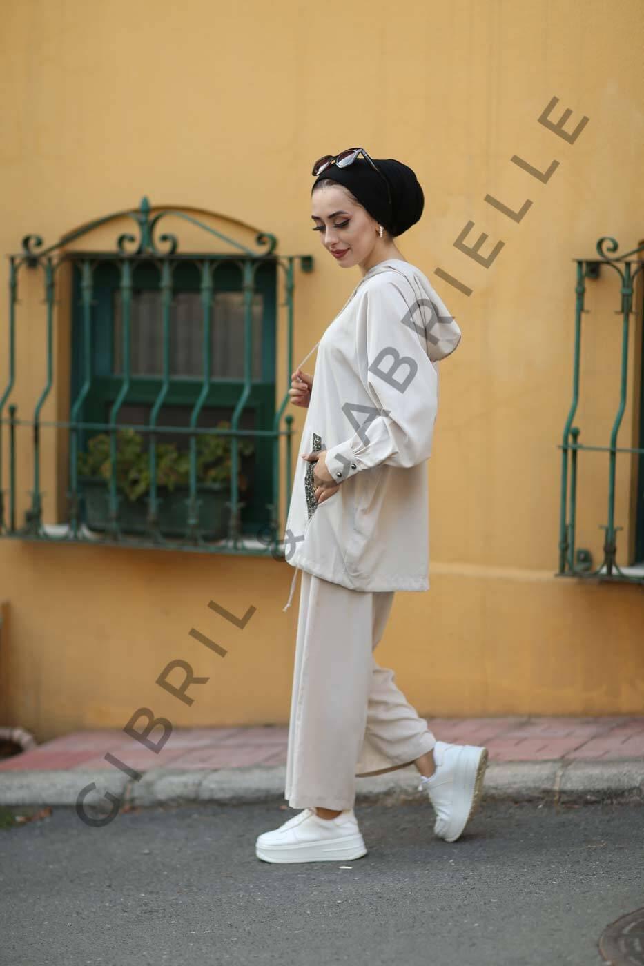 Gibril & Gabrielle - Hande Suit
