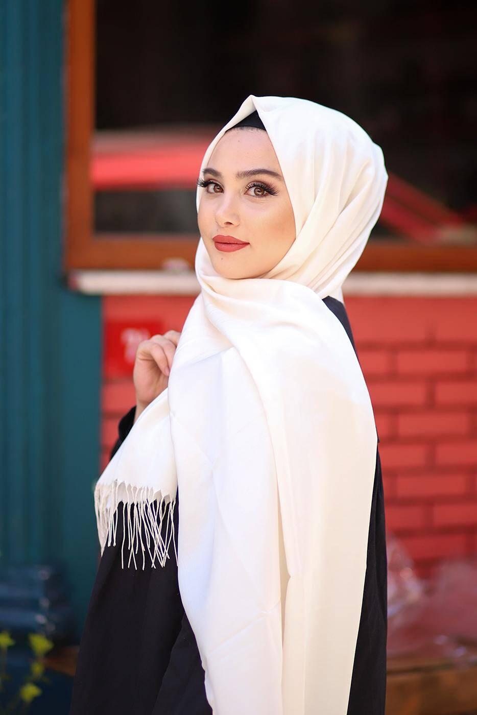 Ivory Hijab With Fringes