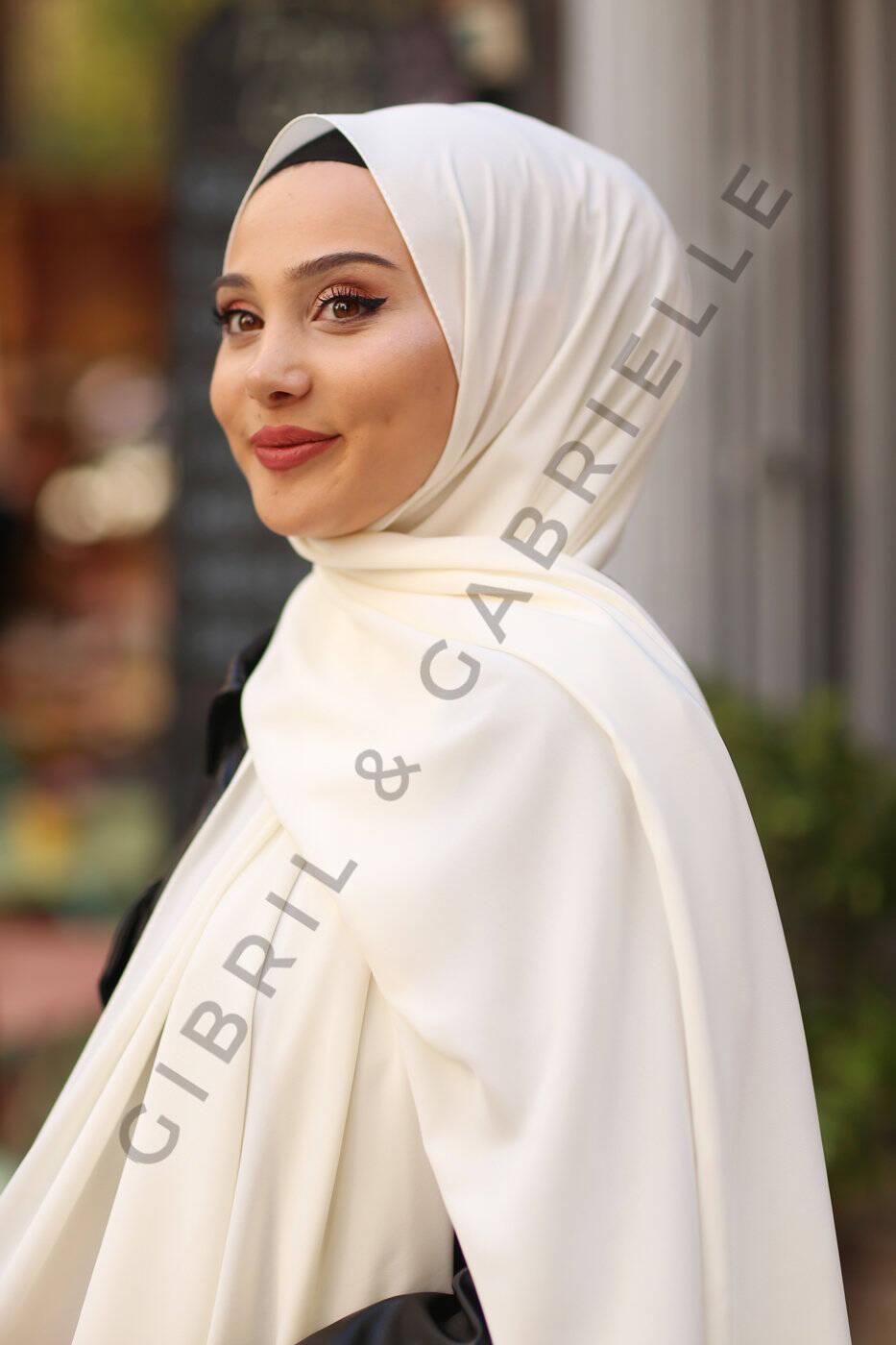 Gibril & Gabrielle - Kırık Beyaz Medine İpek Başörtüsü