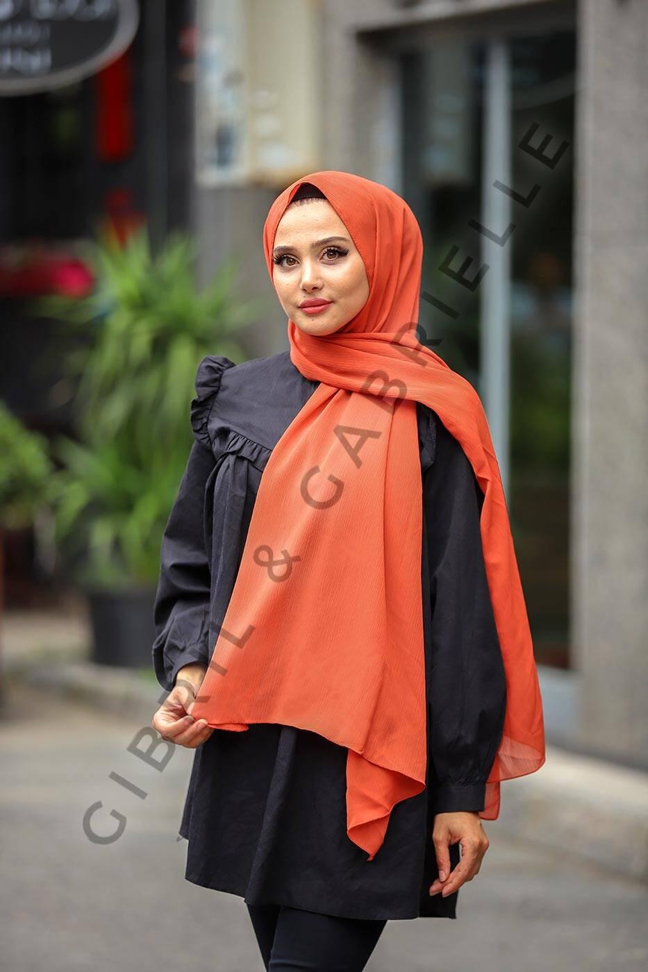 Gibril & Gabrielle - Krinkil Hijab - Brick