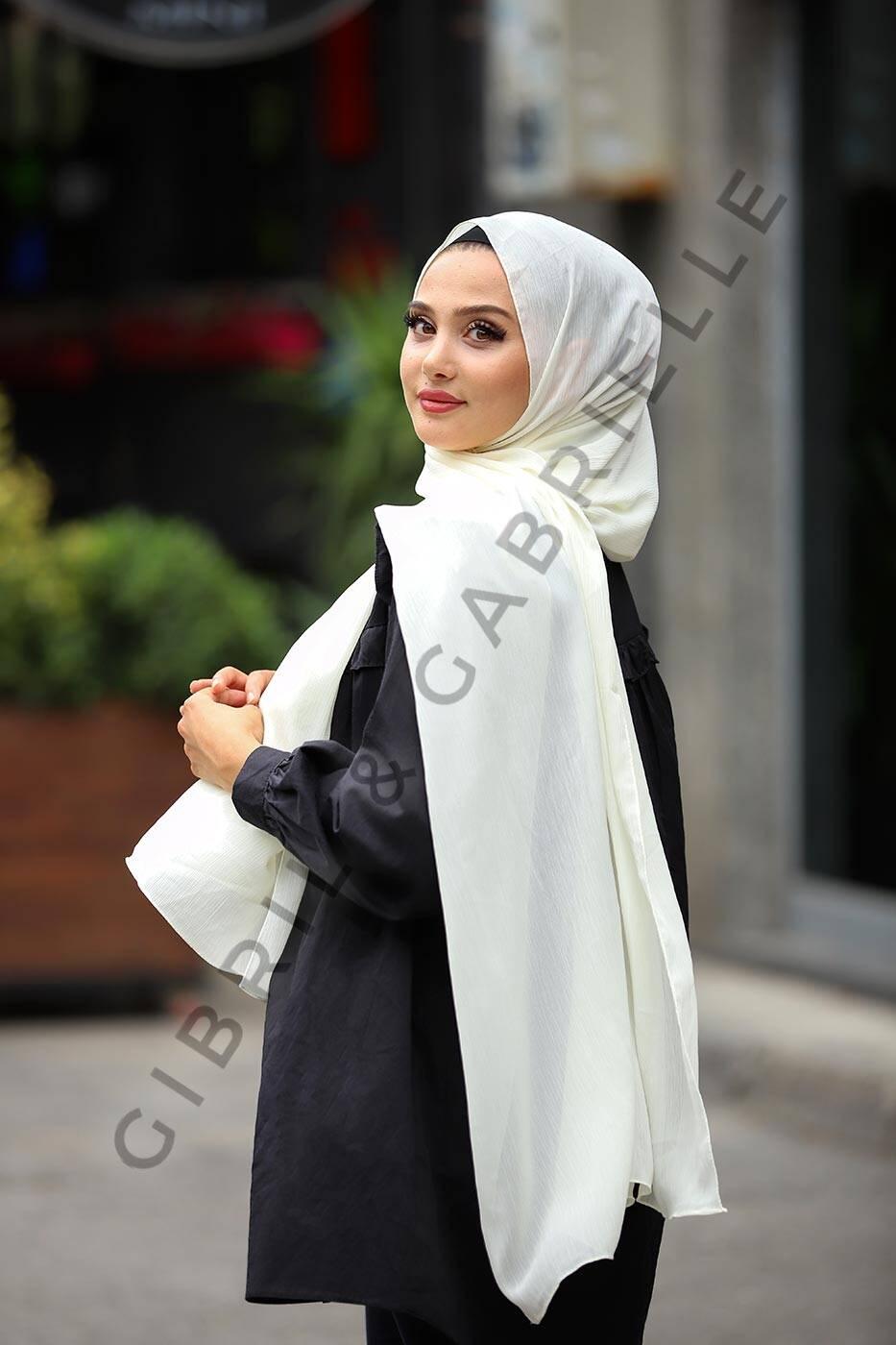 Gibril & Gabrielle - Krinkil Hijab - Ivory