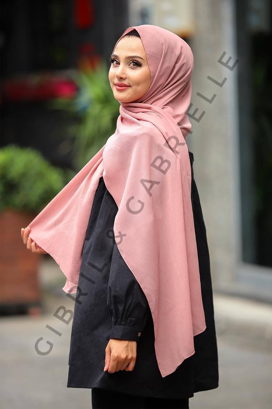 Gibril & Gabrielle - Krinkil Hijab - Old Pink