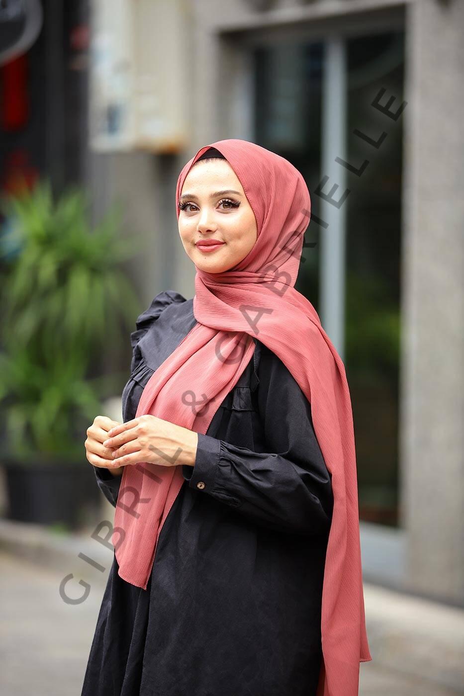 Gibril & Gabrielle - Krinkil Hijab - Purple