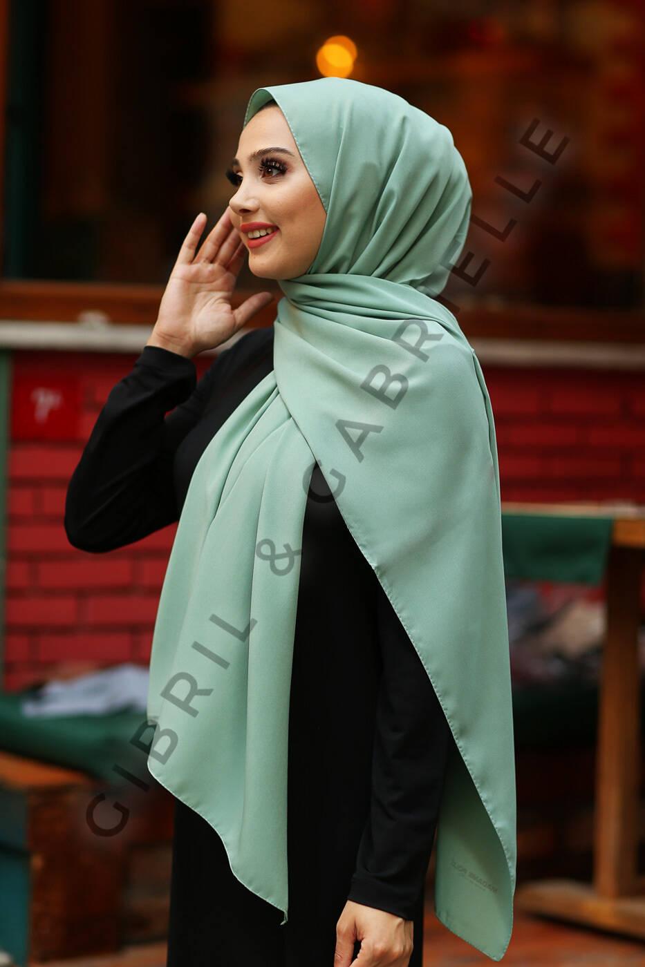 Gibril & Gabrielle - Madina Silk Hijab - Pastel Mint