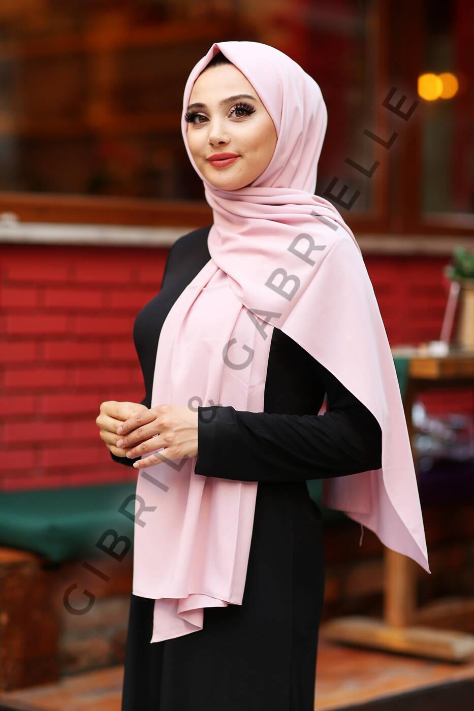 Gibril & Gabrielle - Madina Silk Hijab - Pastel Pink