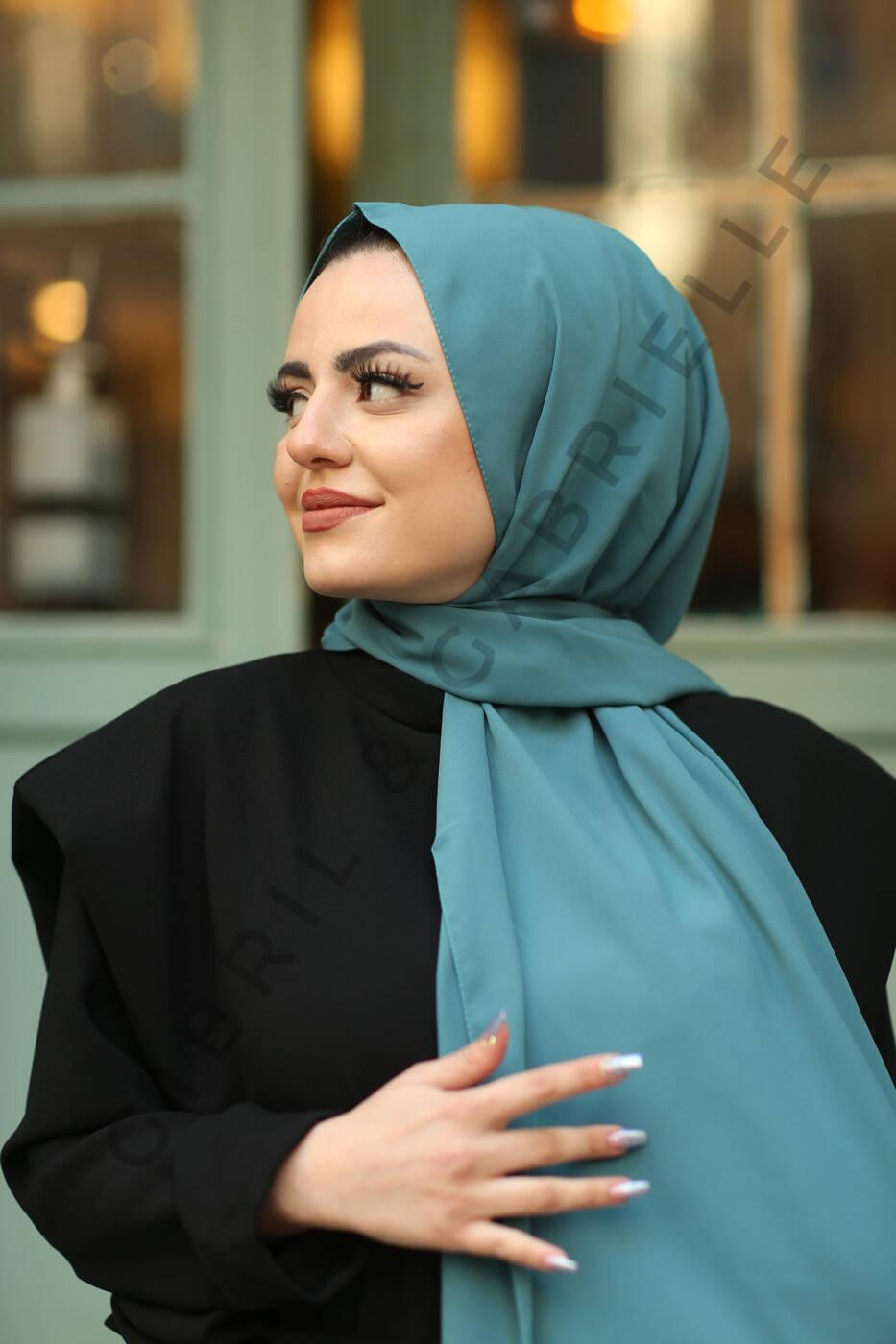 Gibril & Gabrielle - Madina Silk Hijab - Turquoise