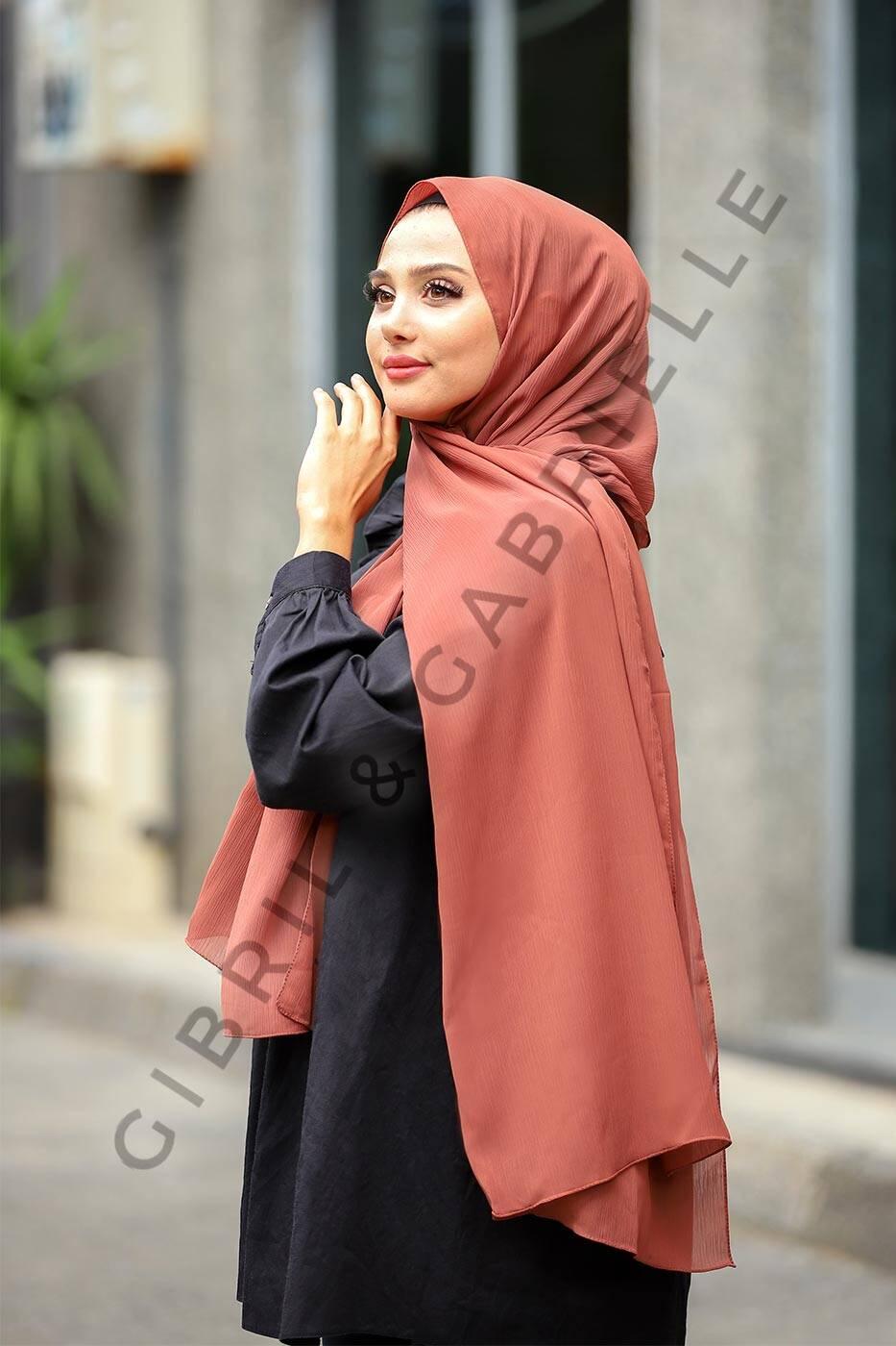 Gibril & Gabrielle - Krinkil Hijab - Moka