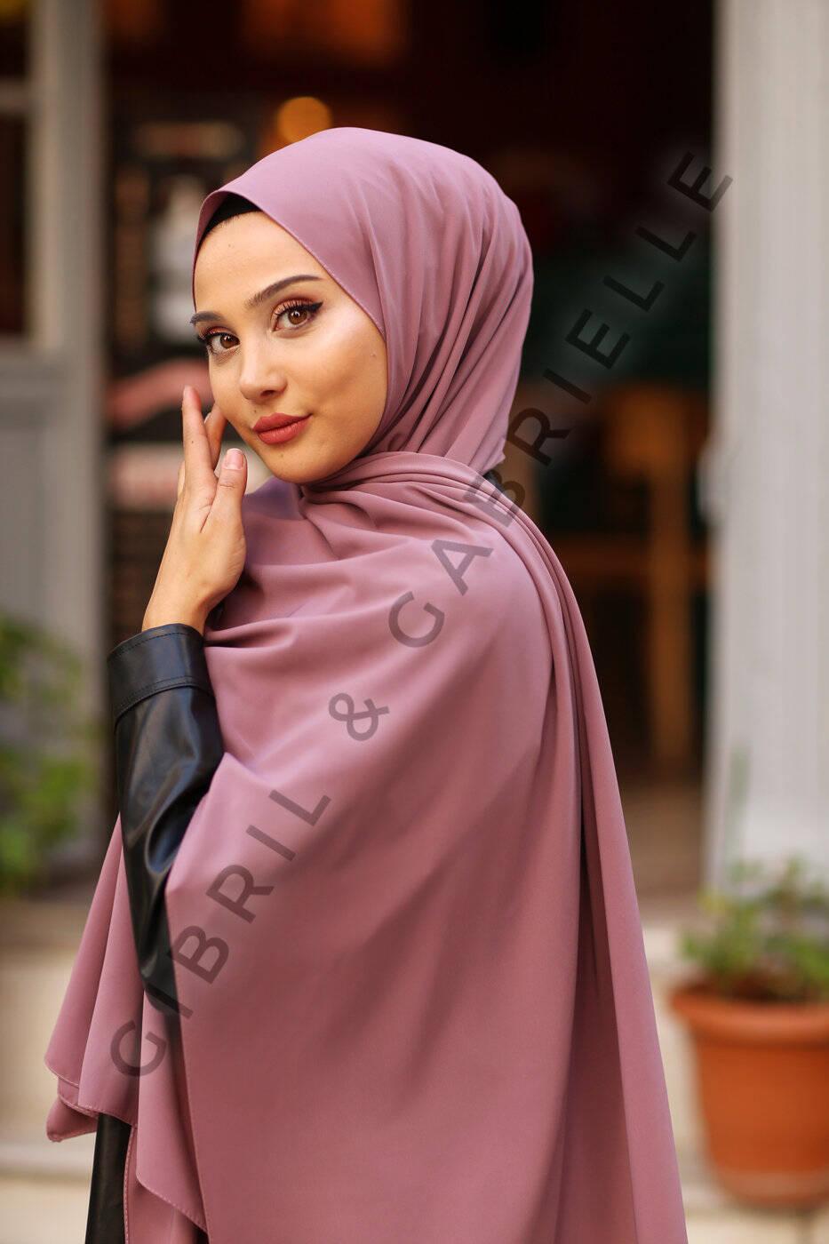 Gibril & Gabrielle - Madina Silk Hijab - Soft Pink