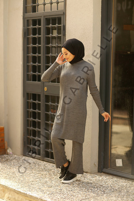 Zainab Knit Suit - Anthracite